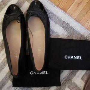 10cfdef77eb2f Women s Chanel Flats Sale on Poshmark